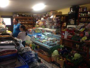 magazinul Popasul Dacilor, produse alimentare si nealimentare